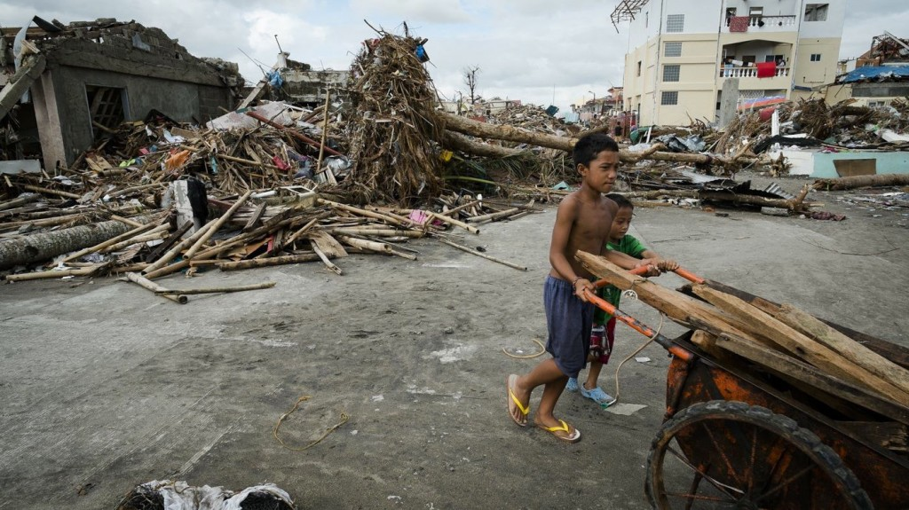typhoon-haiyan-clean-up