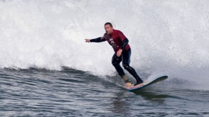 surfer-with-prosthesis-1024x575