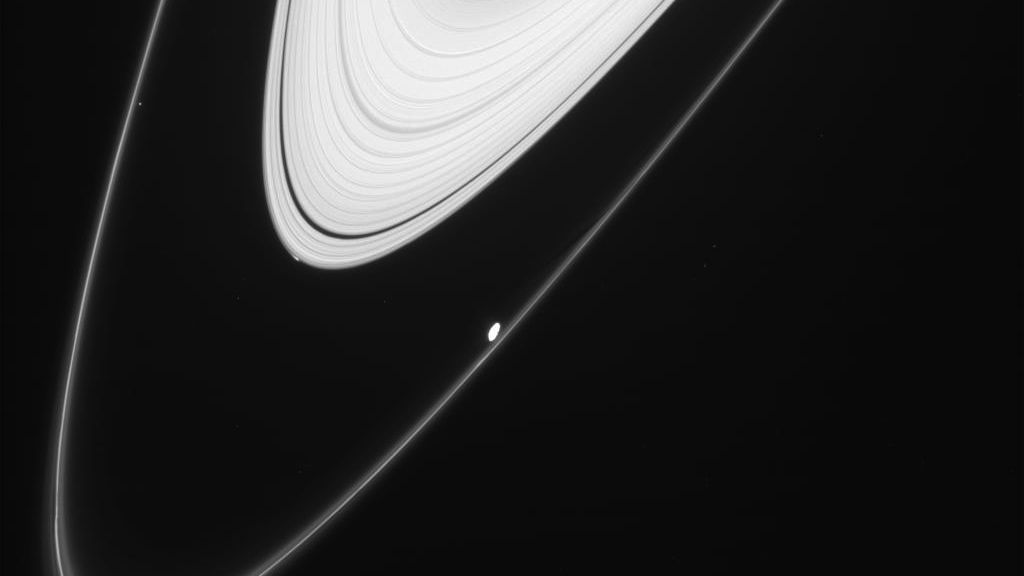 cassini-new-moon