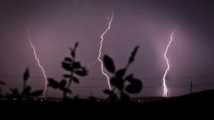 lightning_2048x1152