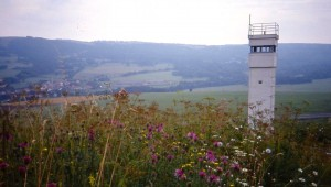 Watch_tower_at_Inner_German_border,_near_Hilders,_August_1991
