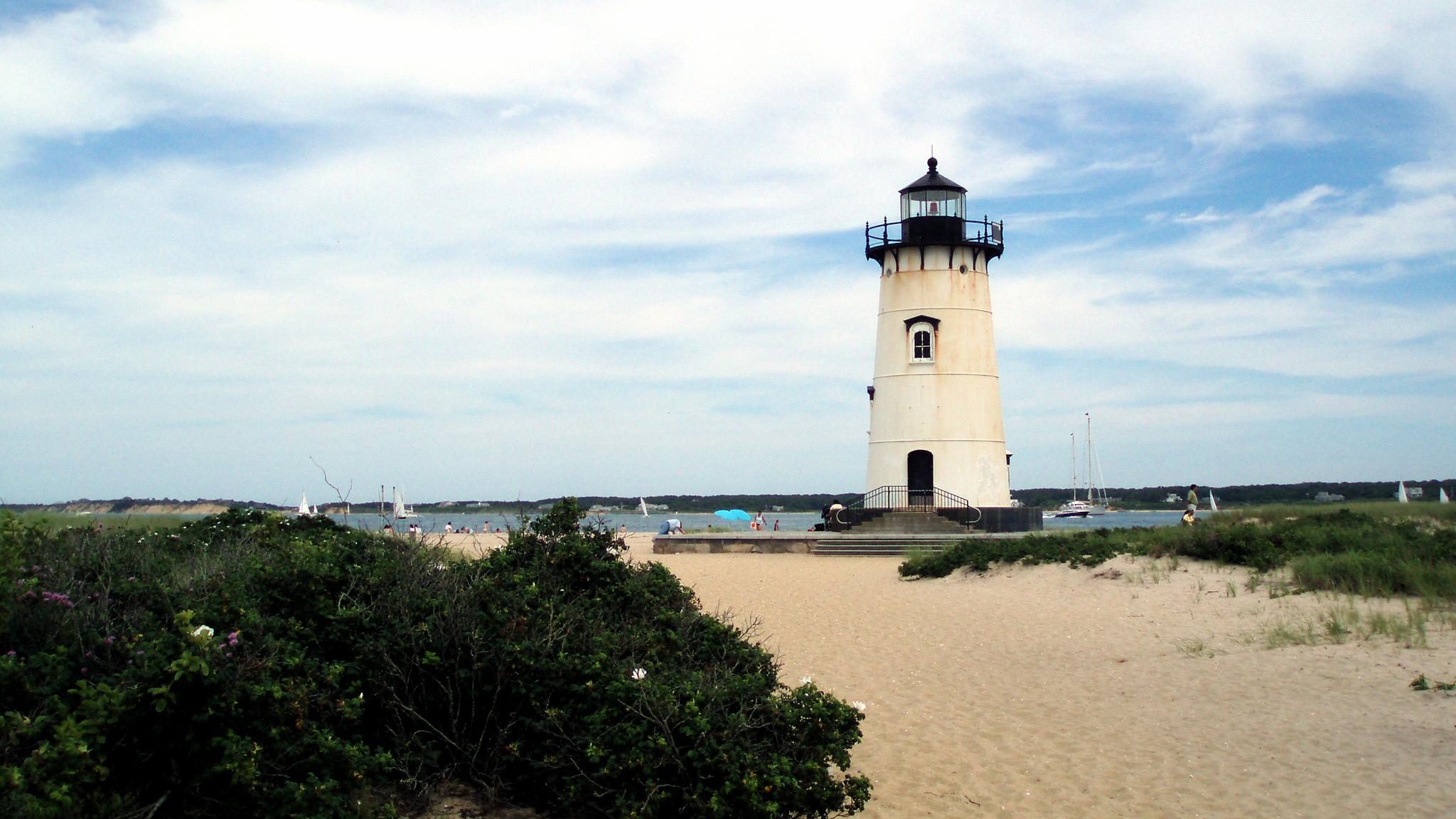 lighthouse_2048x1152