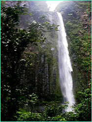 The lower stage of the waterfall above Yglesias Bay.