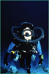 Howard Hall using bubbleless rebreather.