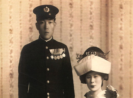 Ishida and wife