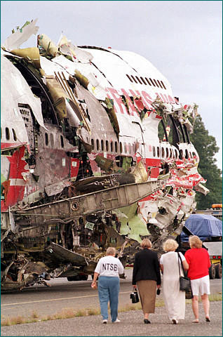 Aloha Flight 243 Movie http://www.divxturka.net/download/164602-air-crash-investigation.html