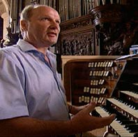 Chouet on organ