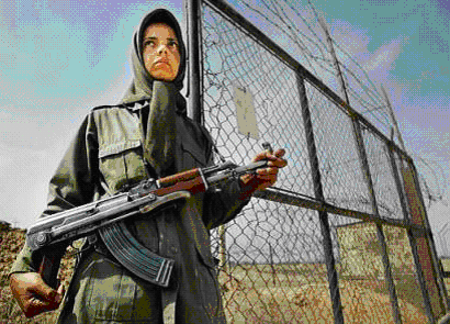 armed-girl-in-ashraf-camp-1