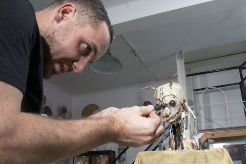 How to Build a 'Spy Creature' with Animatronic Designer John Nolan