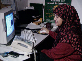 ramadanmoon-post05-callcenter
