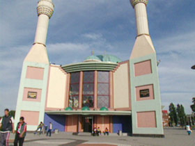 euroislam-post01-mosque