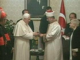 pope-turkey-post02-gift