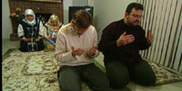 family-praying-thumbnail