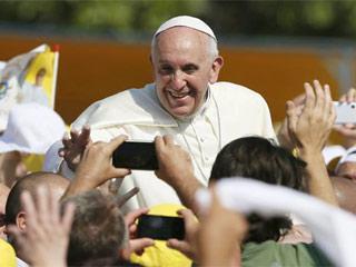 pope-in-brazil-320