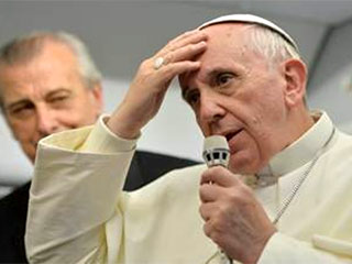 pope-comments-to-press-320