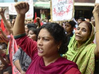 1710-bangladesh-workers-320