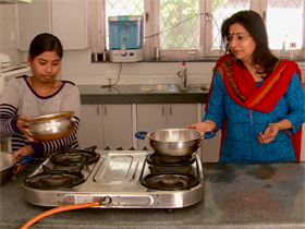 domestic workers in india Indians can afford an army of domestic workers because salaries are so low a recent survey by one of india's largest blue-collar job search websites showed just how low.