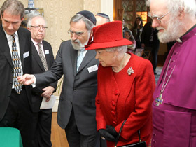 Rabbi Jonathan Sacks with Queen Elizabeth and former Archbishop of Canterbury Rowan Williams