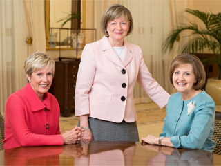 mormons-appoint-women-to-councils-320