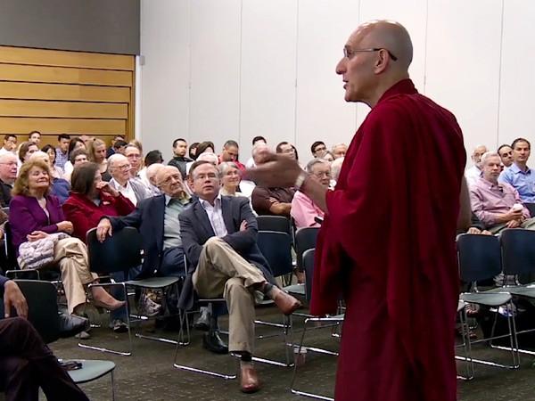post03-dalai-lama-doctor-600