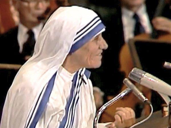 Mother Teresa Nobel Prize Winner Mother Teresa and Sain...