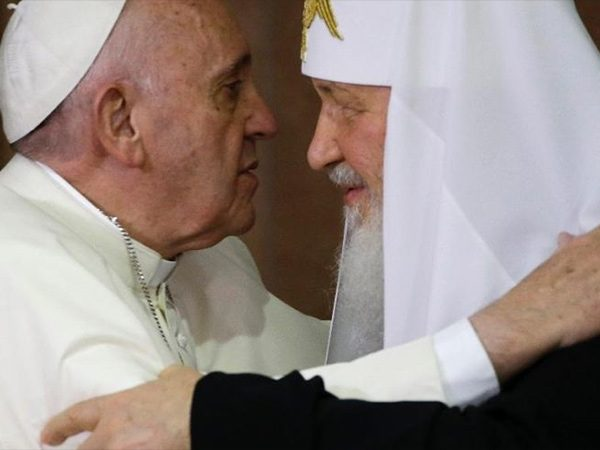 Pope in Georgia: Vaguely Russia rebuke, warm Georgia welcome